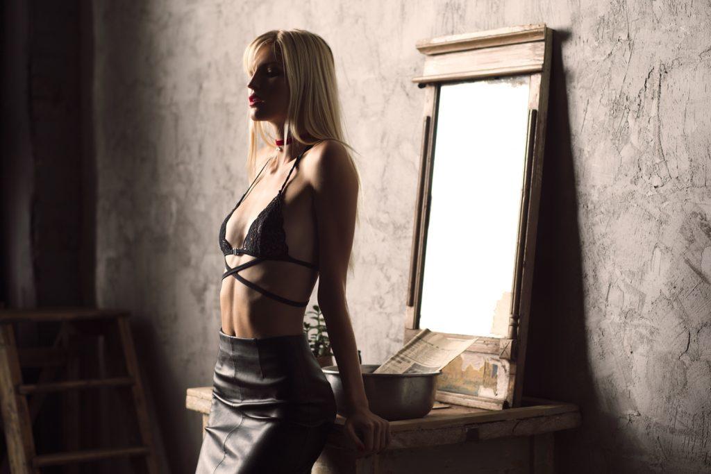 Фотограф для эротической фотосессии